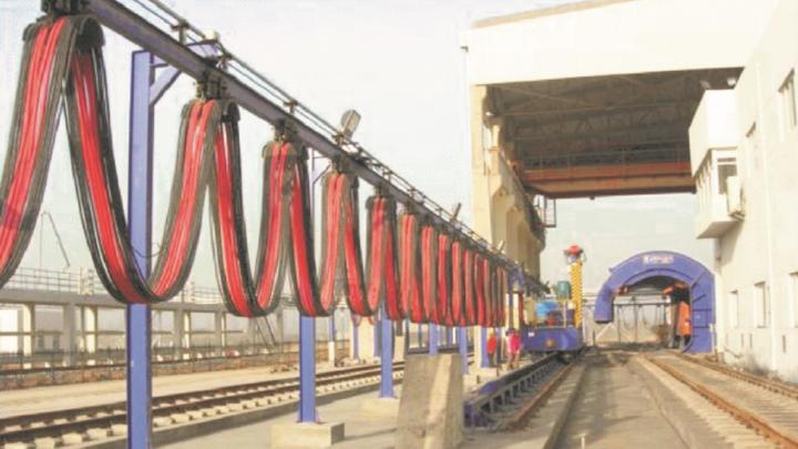 鞍钢集团使用名耐拖链电缆