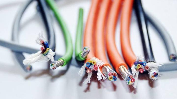 怎么选择一根耐磨抗拉的垃圾吊电缆?